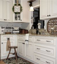 Modern farmhouse kitchen .Light and bright with wood brown ...