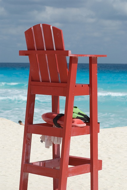 beach chairs with footrest office chair mat 60 x 72 free adirondack lifeguard plans - woodworking projects &