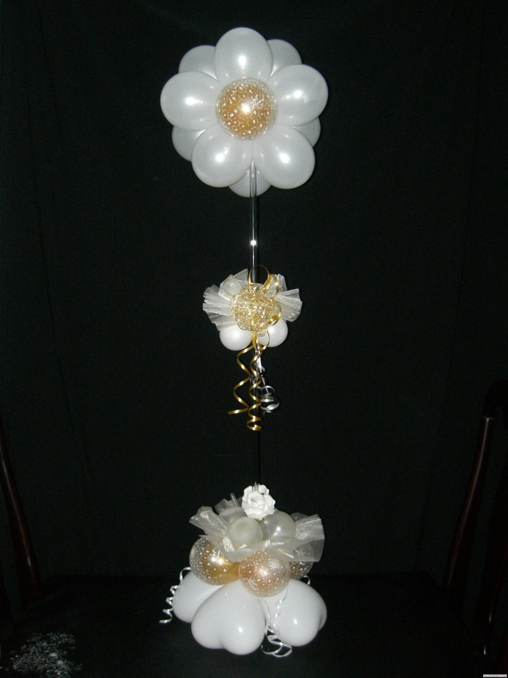 Flower table centerpiece  Decoracion con globos  Pinterest  Flower table