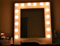 10 best ideas about Mirror With Light Bulbs on Pinterest ...