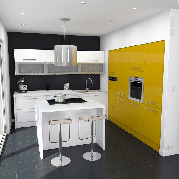 Cuisine jaune et blanc au style moderne et vitamin implantation en L avec lot de cuisine