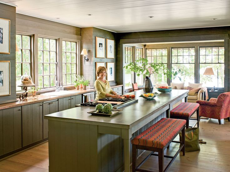 Only best 25 ideas about Lake House Kitchens on Pinterest