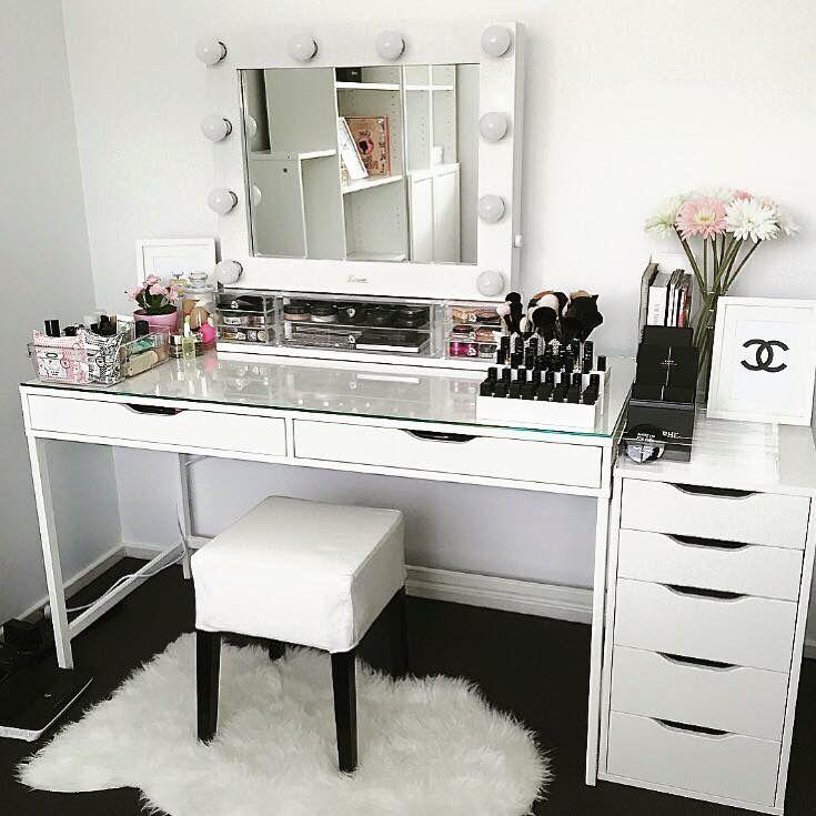 Makeup Desks With Lights