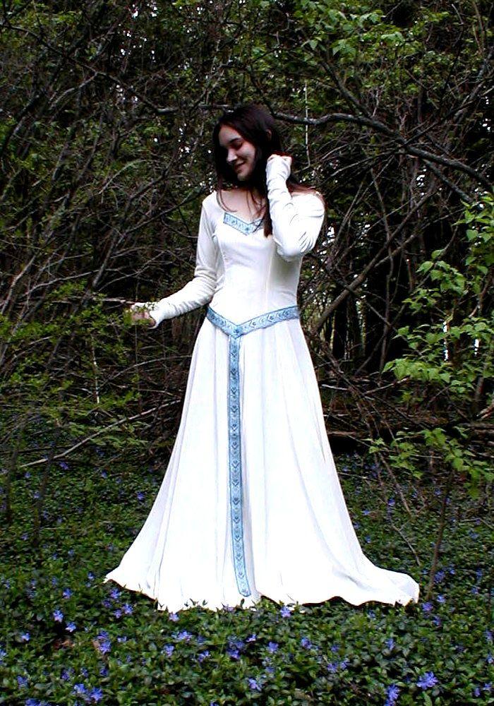25 best ideas about Celtic Wedding Dresses on Pinterest  Celtic wedding Medieval wedding