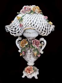 1000+ images about capodimonte lamps on Pinterest ...