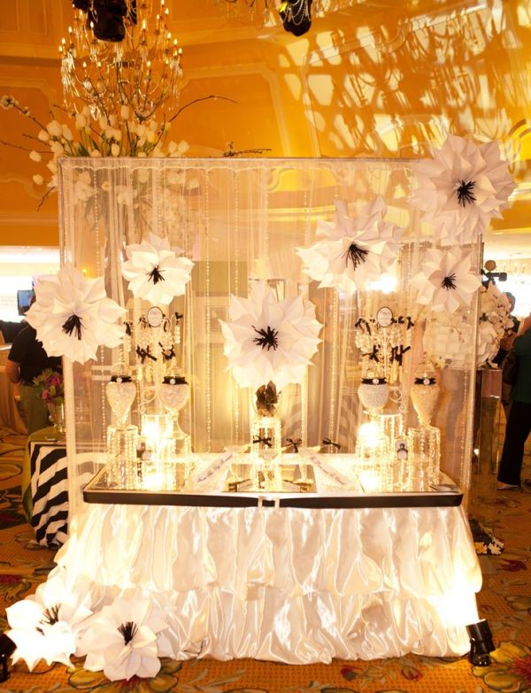 1000+ images about Bridal Show Booth & Tablescape Ideas on ...