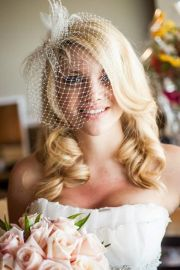 wear birdcage veil with hair