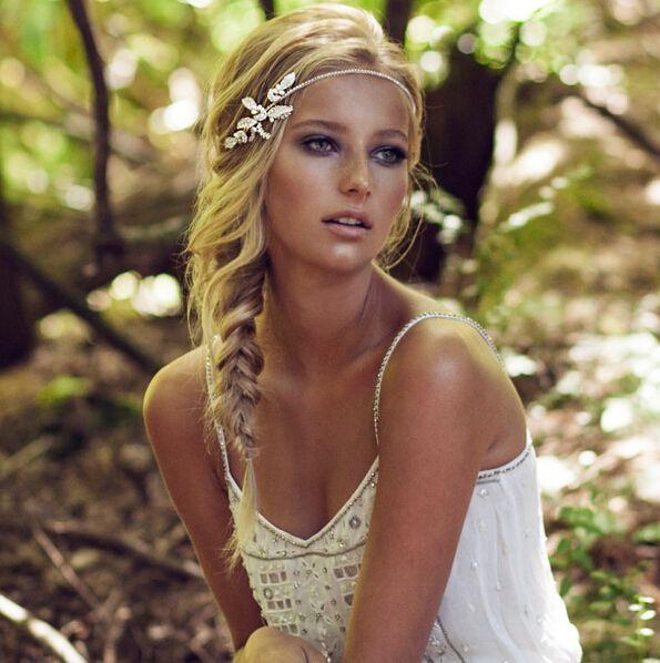Die Besten 25 Haarband Hochzeit Ideen Auf Pinterest