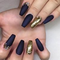 25+ best ideas about Black gold nails on Pinterest | Nail ...
