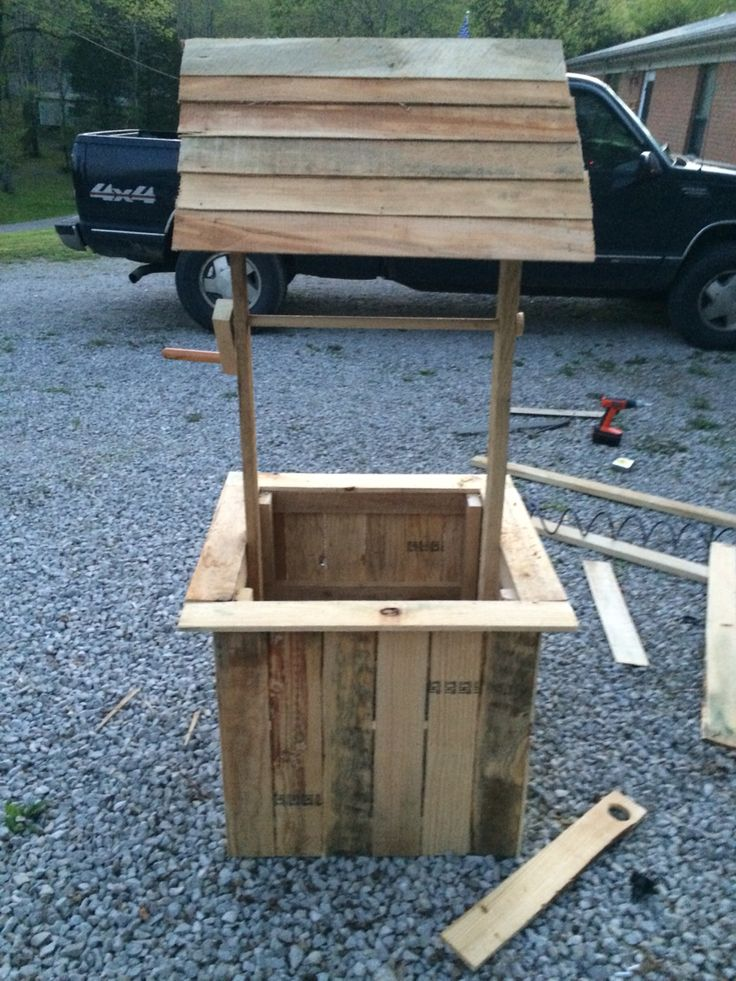 How To Build A Wishing Well From Pallets  WoodWorking Projects  Plans