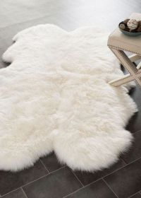 25+ best ideas about Sheepskin rug on Pinterest | White ...
