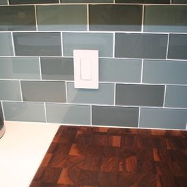 lowes kitchens kitchen pictures 2 colors mixed for a glass subway tile backsplash ...