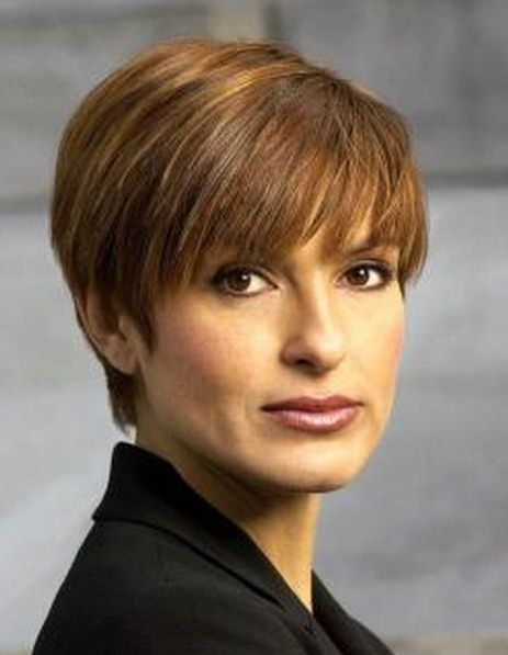 mariskahargitay  Short Hairstyles  Pinterest  Short hairstyles Short styles and Olivia benson