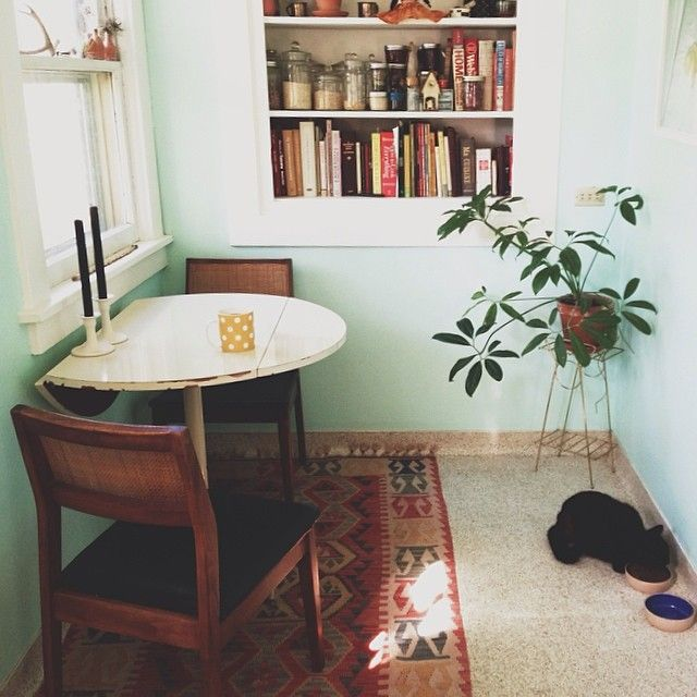 25 best ideas about Small round kitchen table on