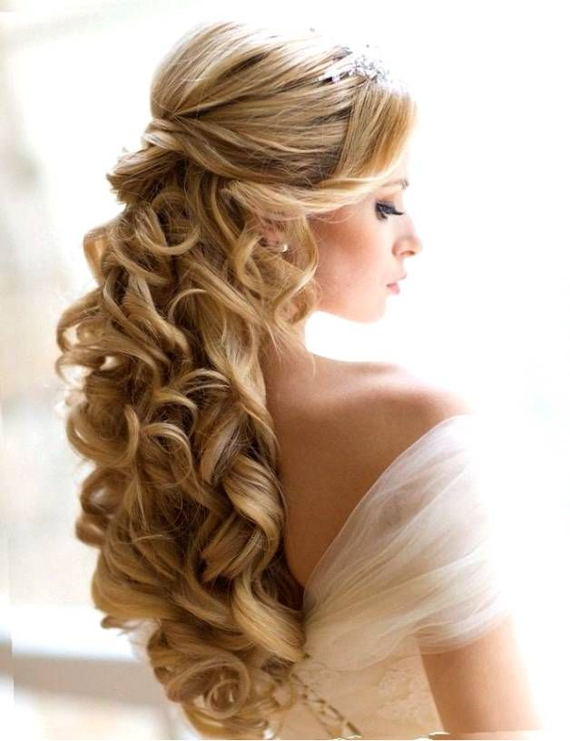 25 Best Ideas About Tiara Hairstyles On Pinterest Wedding Tiara
