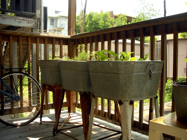 1000 ideas about Apartment Patio Decorating on Pinterest  Apartment patios Apartment balcony