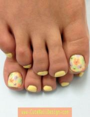 pretty toe nail design pastel