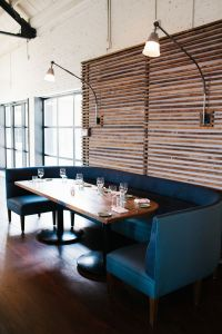 25+ Best Ideas about Booth Seating on Pinterest | Kitchen ...