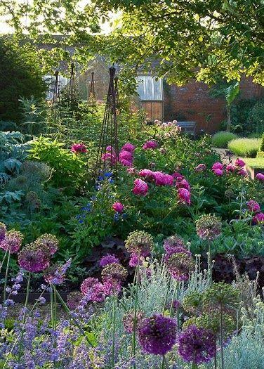 The 25 Best Ideas About Cottage Gardens On Pinterest Garden