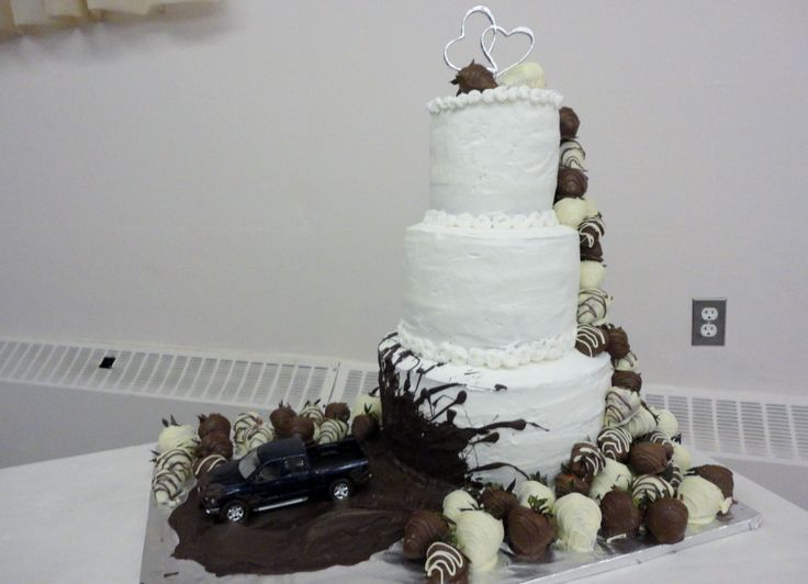 25 best ideas about Mudding Wedding Cakes on Pinterest