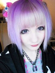 pastel goth hair and cute necklace