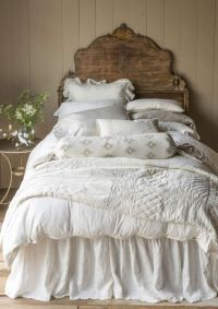 25+ best ideas about Antique Beds on Pinterest | Pink ...