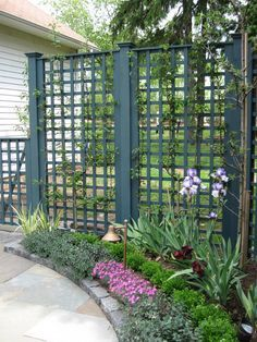 The 25 Best Ideas About Garden Dividers On Pinterest Privacy