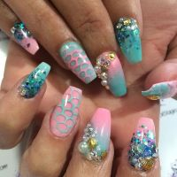 1000+ images about Nail Art  Mermaid Nails on Pinterest ...