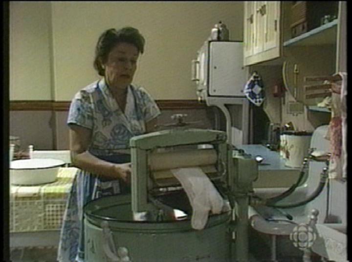 old wringer washers  Vintage photo  GE wringer washer