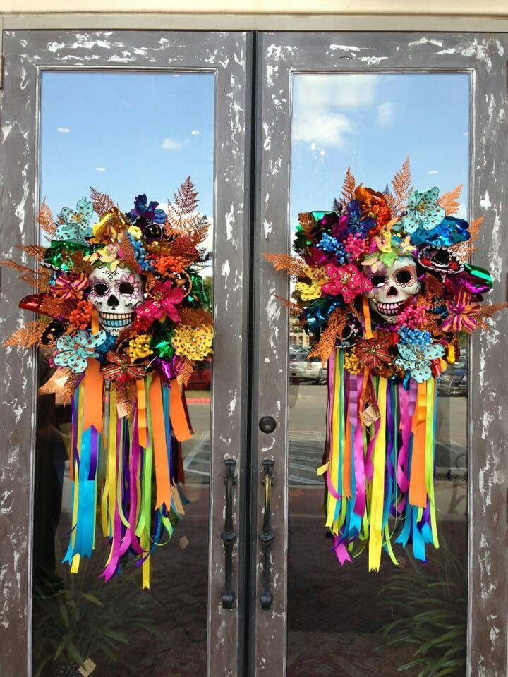 Could use dollar tree door knockers to recreate these