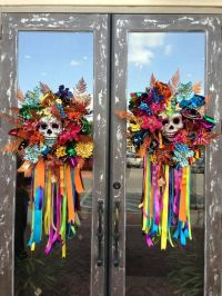 Could use dollar tree door knockers to recreate these ...