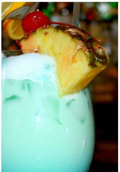 Swimming Pool (1 oz Absolut Vodka 2 oz Malibu Rum 2 oz Pineapple Juice 1 oz Heavy Cream Splash of Blue Curacao)