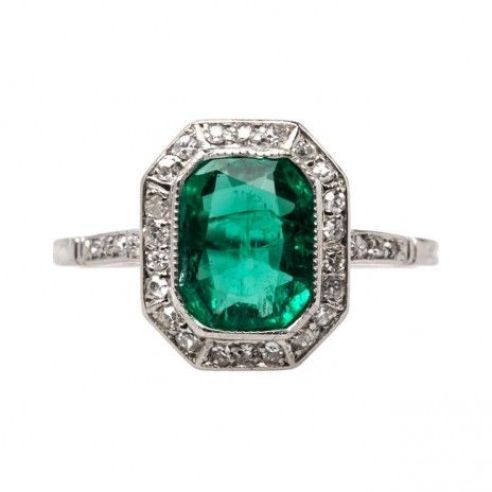 Simply stunning emerald engagement ring! *swoon*