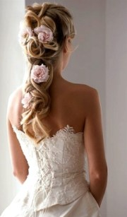 bride's loose long braid with light