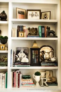 Best 25+ Decorate bookshelves ideas on Pinterest | Book ...