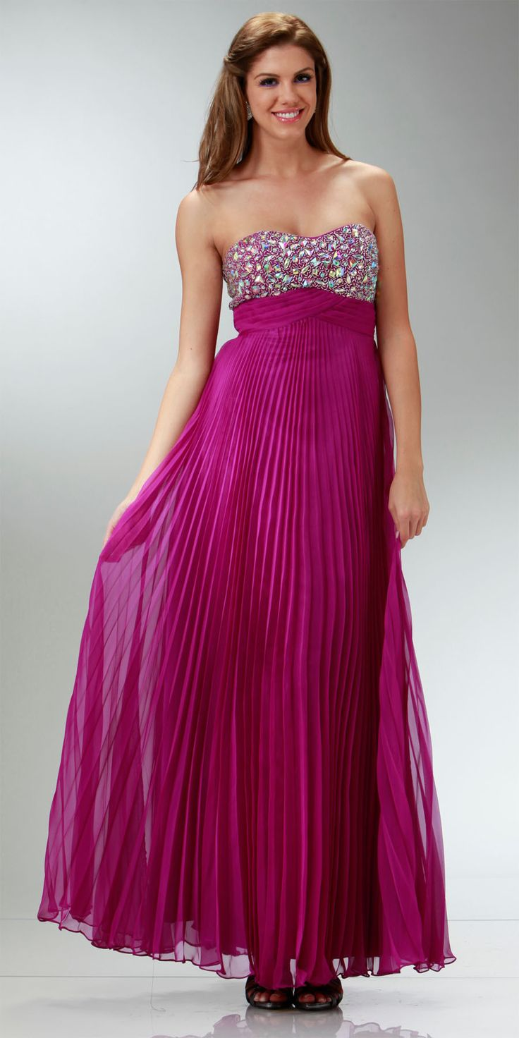 17 Best ideas about Flowy Prom Dresses on Pinterest  Pretty dresses Elegant dresses and