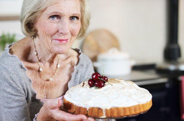mary berry pavlova on pinterest soda bread and