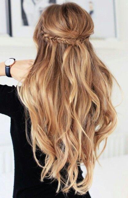 25 Best Ideas About Long Wavy Hairstyles On Pinterest Medium