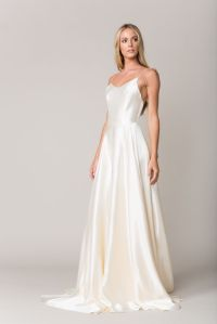 25+ best Silk Wedding Gowns ideas on Pinterest | Silk ...