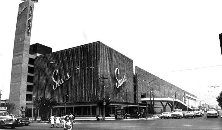 La tienda Sears la esquina de Montevideo e Instituto