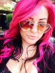 love hair hot pink