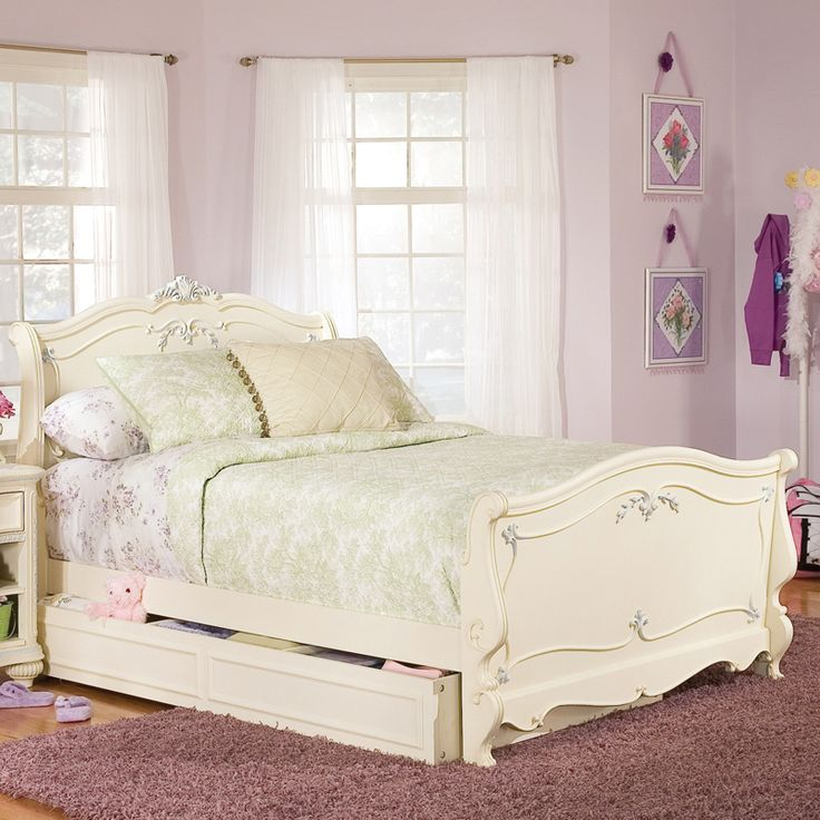 17 Best images about GIRLS FURNITURE on Pinterest  Jessica mcclintock Canopy beds and Bedroom sets