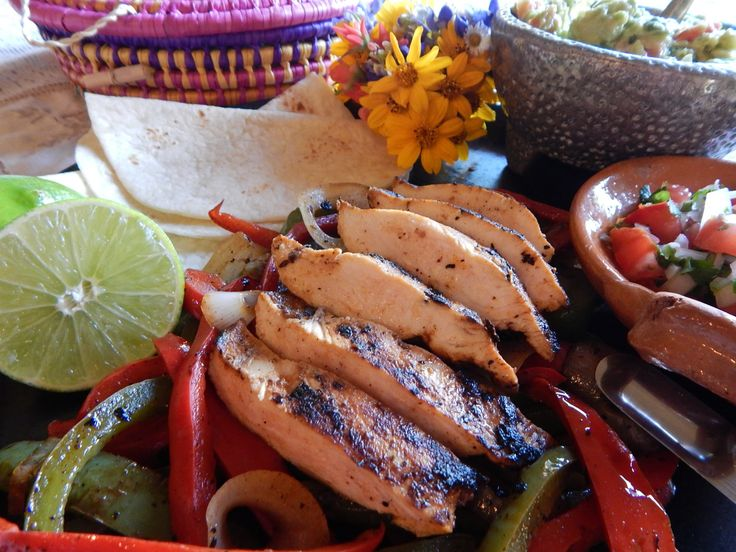 15 best images about Tacos y Sopes on Pinterest  Guacamole Tacos and Salsa verde