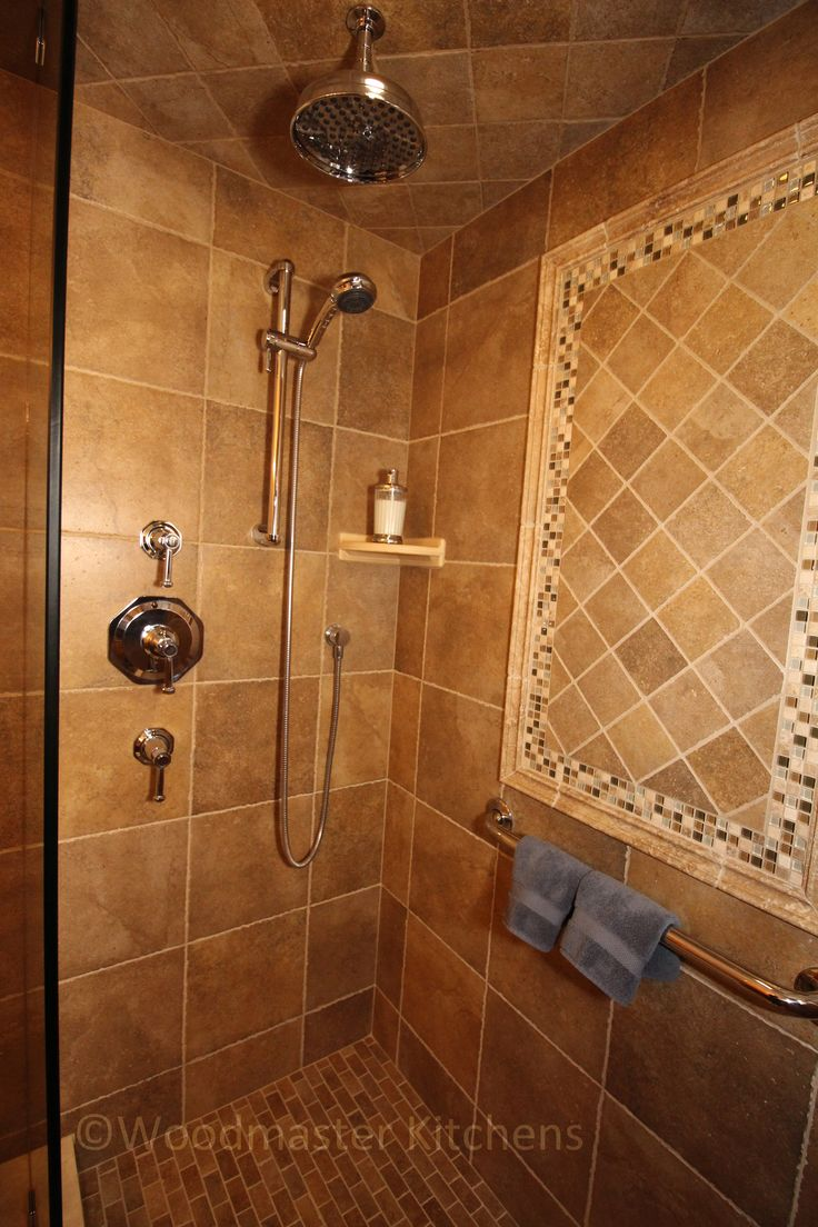This Craftsman Style Bathroom Combines Stone Tile With Glass Tile Accents To Create A Striking