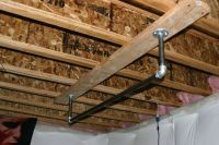 pipe pull up bar hang from ceiling   Make your own pull up ...