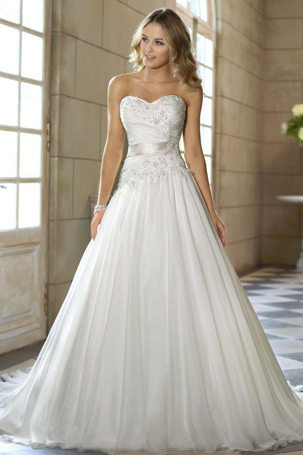 25 Best Ideas About Hochzeitskleid Herz Ausschnitt On Pinterest