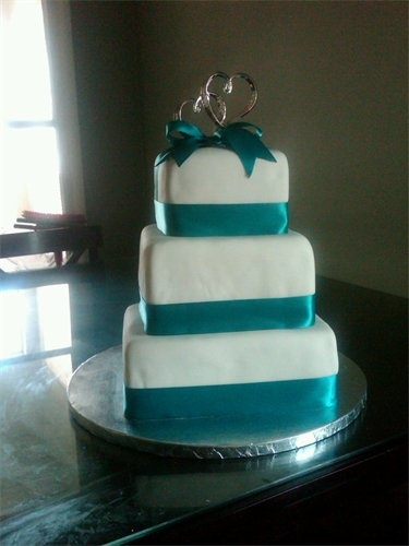 teal wedding cake  Colour ideas  teal maybe greens