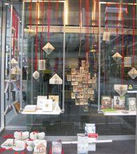 christmas window display | bookstore Selexyz | concept ...