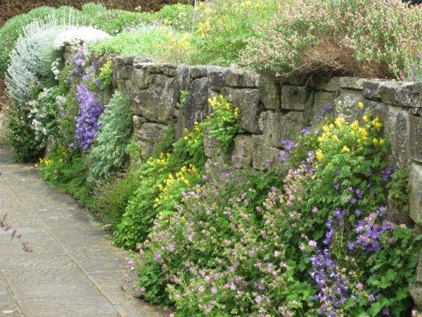 25 Best Ideas About Rock Wall Gardens On Pinterest Rock Wall