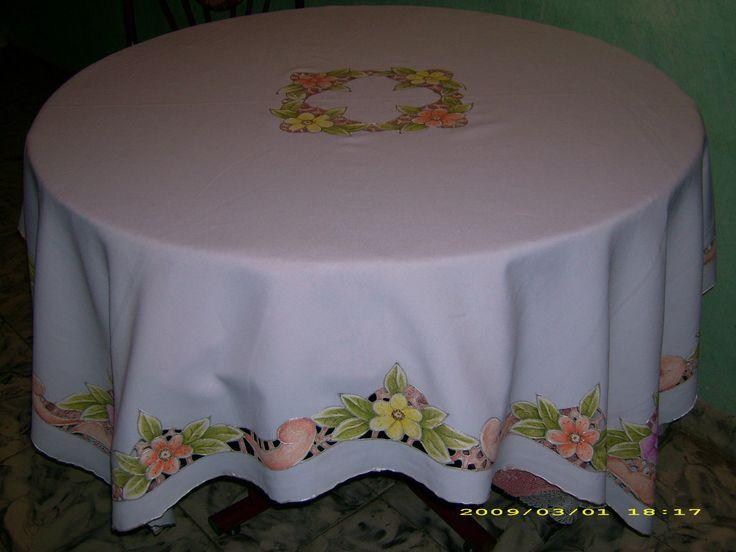 mantel de flores  pinceladas y pintura en tela